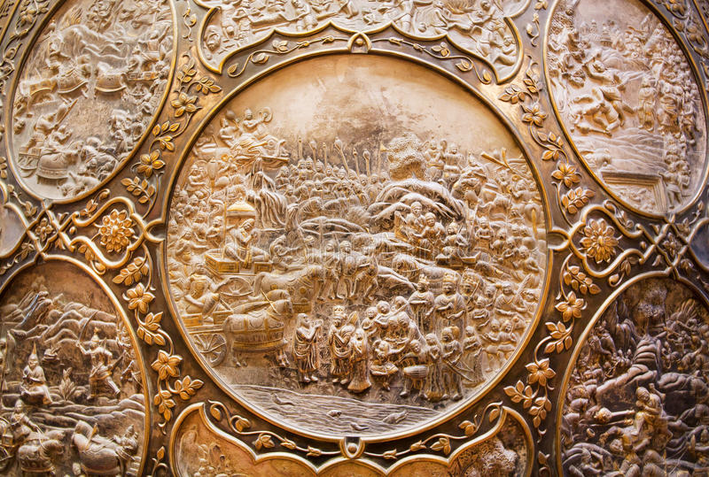 Czerep brązowa osłona z scenami od indyjskiego epickiego Ramayana fotografia royalty free