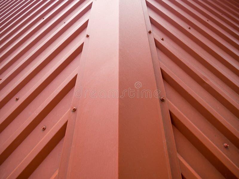 Czerep dach budynek zakrywaj?cy z metalu gofrolist zdjęcie royalty free