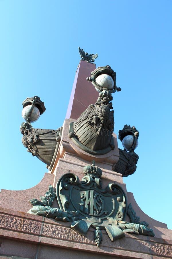 Czerep dziobowa kolumna trójca most St Petersburg obraz stock