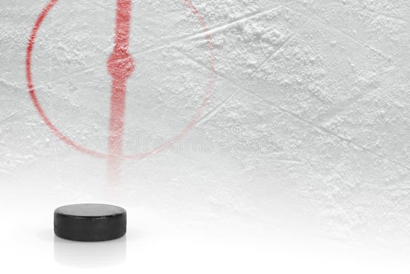 Czerep hokej gruntuje z krążkiem hokojowym zdjęcie stock