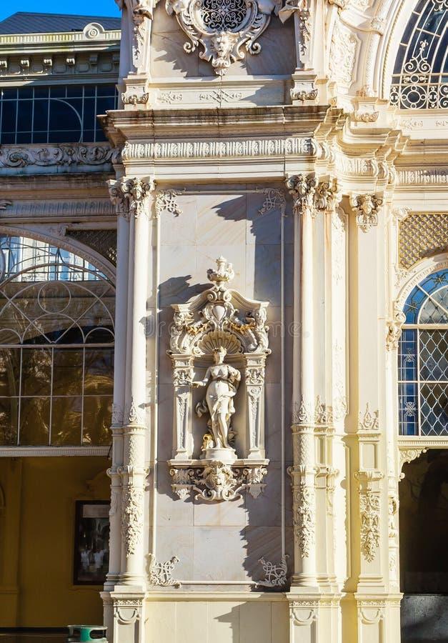 Czerep kolumnada w zdroju grodzki Marianske Lazne Marienbad C zdjęcia stock