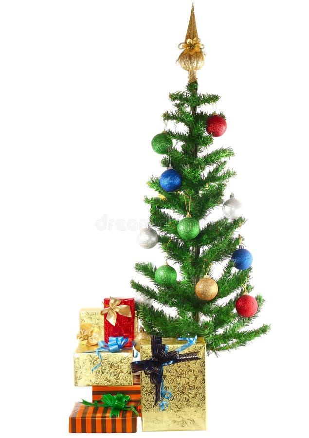 Czerep nowego roku drzewo z prezentów pudełkami zdjęcie royalty free
