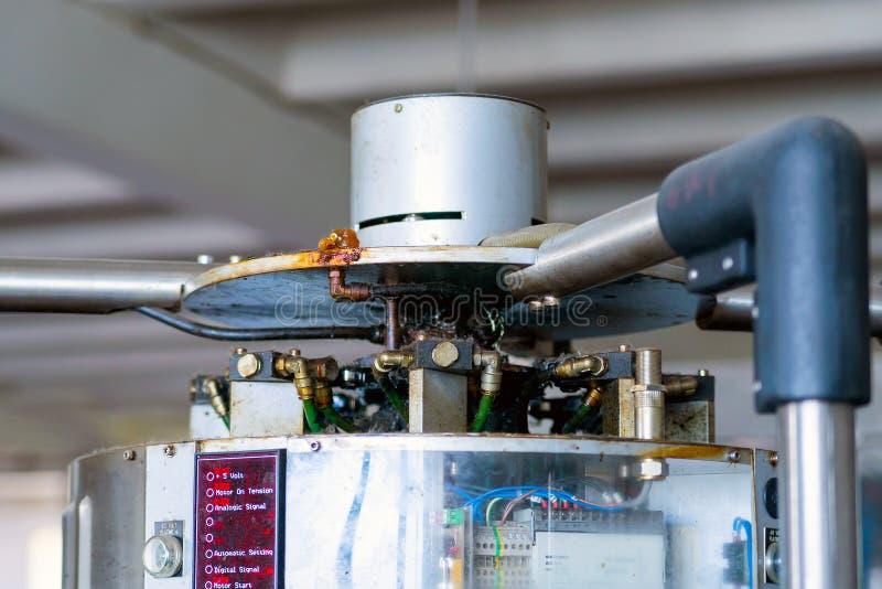 Czerep przemysłowy mechanizm z pneumatycznymi drymbami zdjęcie royalty free