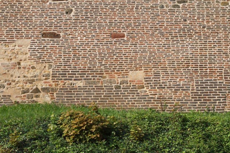 Czerep stary ceglany forteca ściany zakończenie Praga zdjęcie stock