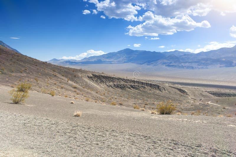 Czerep Ubehebe krater w Śmiertelnym Dolinnym parku narodowym, Califo fotografia stock