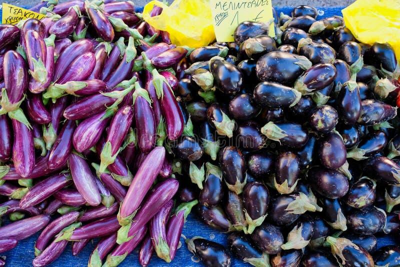 Czerni i purpur lampasa oberżyny fotografia stock