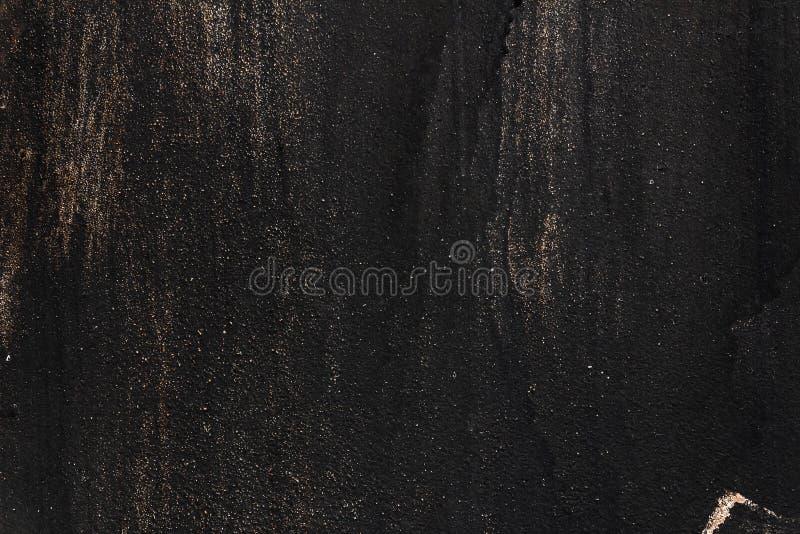 Czerni malującą metal teksturę z smudges, narysy i złoto błyska fotografia stock