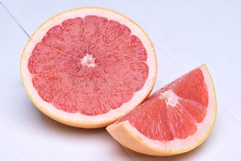 Download Czerwień grapefruitowa obraz stock. Obraz złożonej z zaciemnia - 65225099