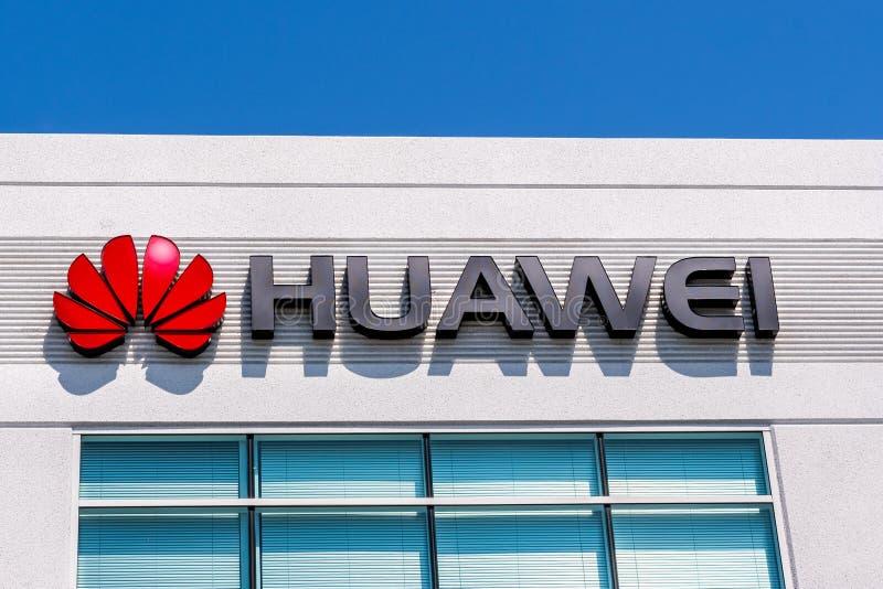 Czerwiec 3, 2019 Santa Clara, CA, usa logo przy ich biurami w Krzemowa Dolina/- Huawei; Huawei jest Chi?skim technologii firm? to obrazy stock