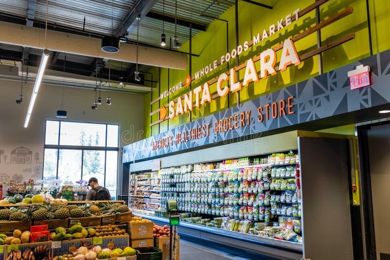 Czerwiec 3, 2019 Santa Clara, CA, usa/- owoc i warzywo sekcja przy Whole Foods, południowy San Francisco zatoki teren zdjęcia royalty free