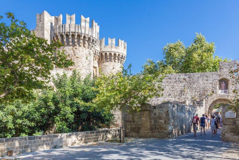 19 2017 CZERWIEC Turyści przed pałac Uroczysty Maste fotografia royalty free