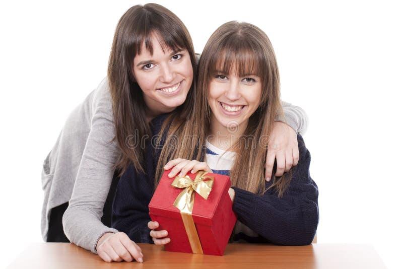 czerwieni pudełkowate kobiety dwa zdjęcie royalty free