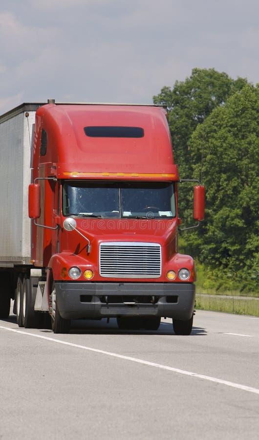czerwona ciężarówka zdjęcia royalty free
