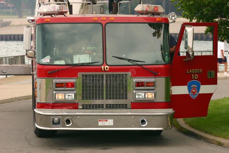 czerwona ciężarówka przeciwpożarowa fotografia stock