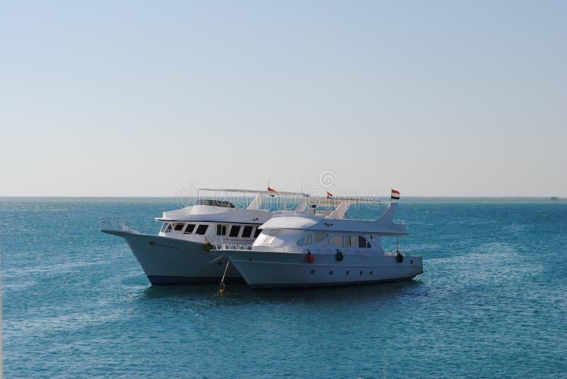 Czerwona Denna łódź zdjęcia stock