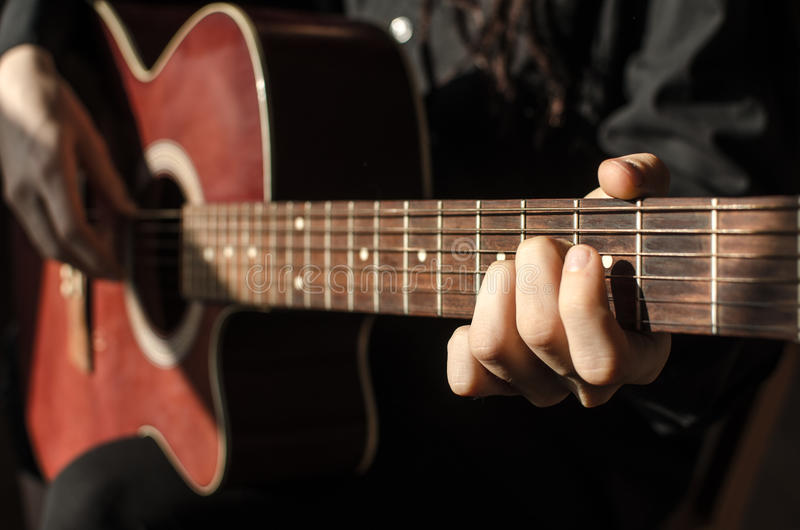 Czerwona gitara obraz stock