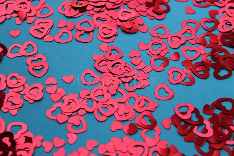 Czerwona kierowa kształt tekstura rozkładająca na stole zdjęcia royalty free