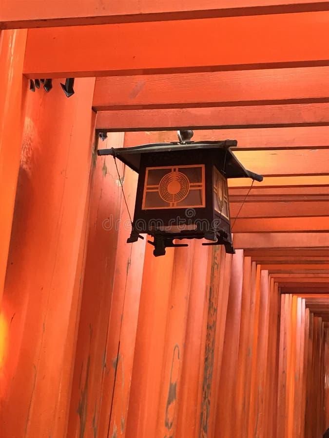 Czerwona tori świątynia Kyoto fotografia stock