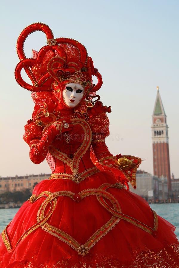 Czerwona Venice karnawału suknia obraz stock