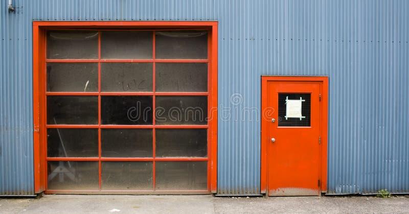 czerwone drzwi ' zdjęcie stock