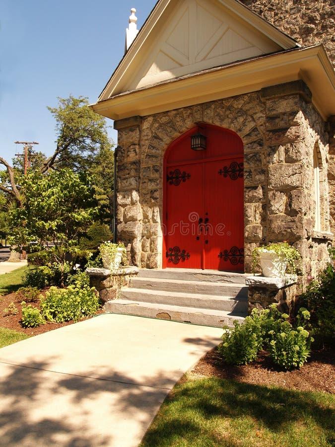 czerwone drzwi kościelne fotografia stock