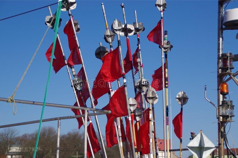 Czerwone flaga w wiatrze fotografia royalty free