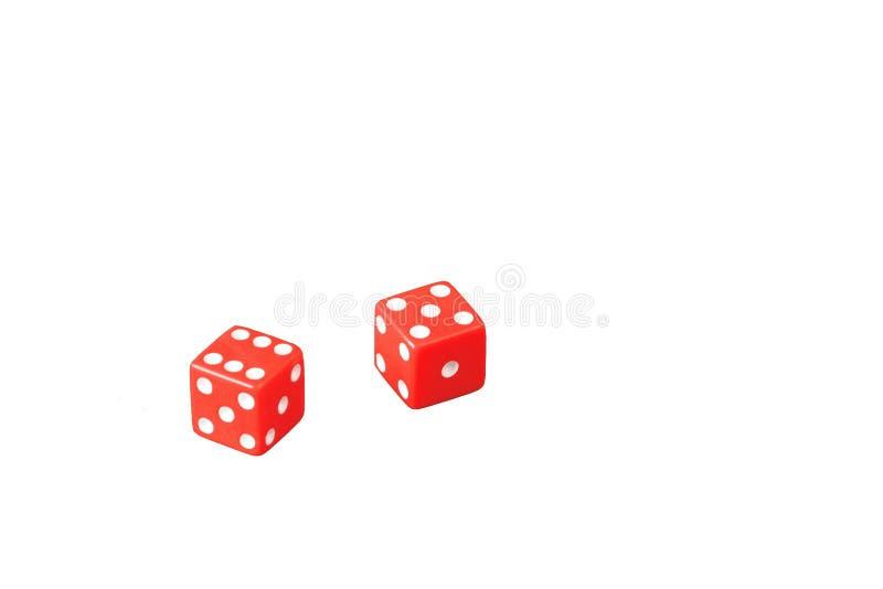 Czerwone gemowe kostki do gry odizolowywać na białym tle, kasyno obraz royalty free