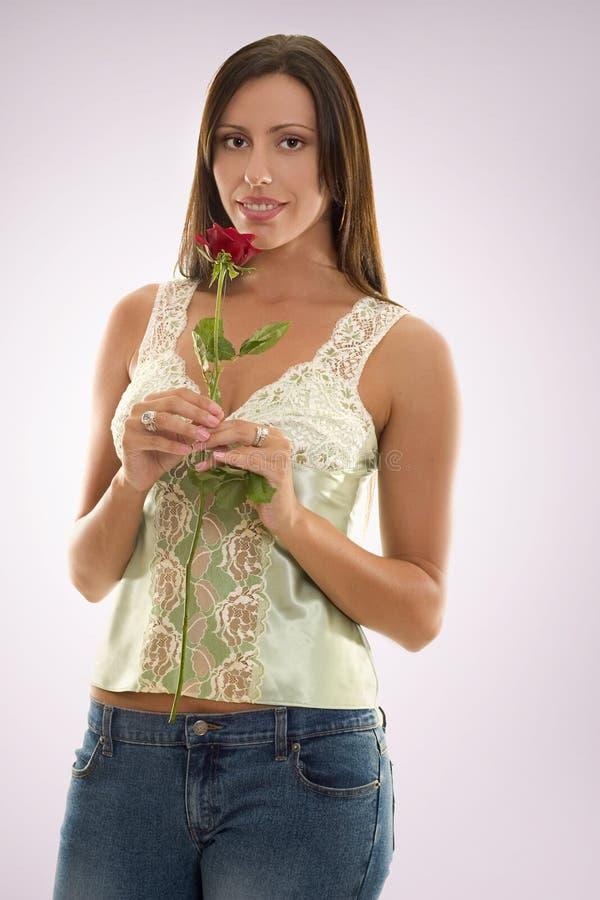 czerwone róże kobiecie obrazy stock