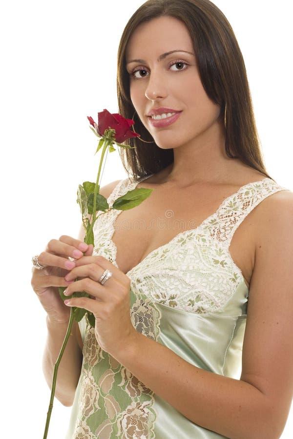 czerwone róże młode kobiety fotografia stock