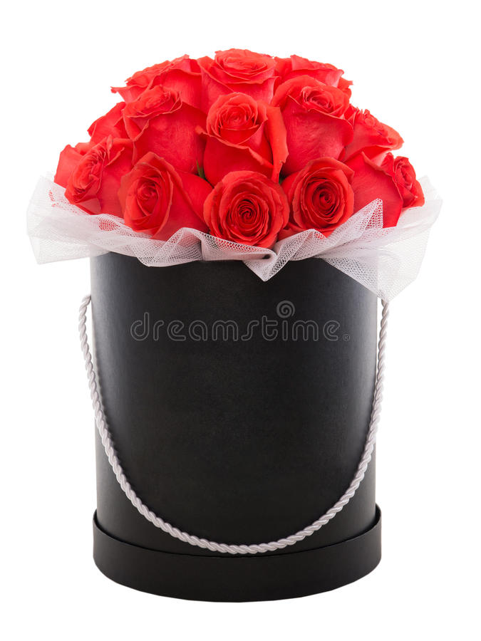 Czerwone róże w czarnym luksus teraźniejszości pudełku Kwiatu pudełko fotografia royalty free