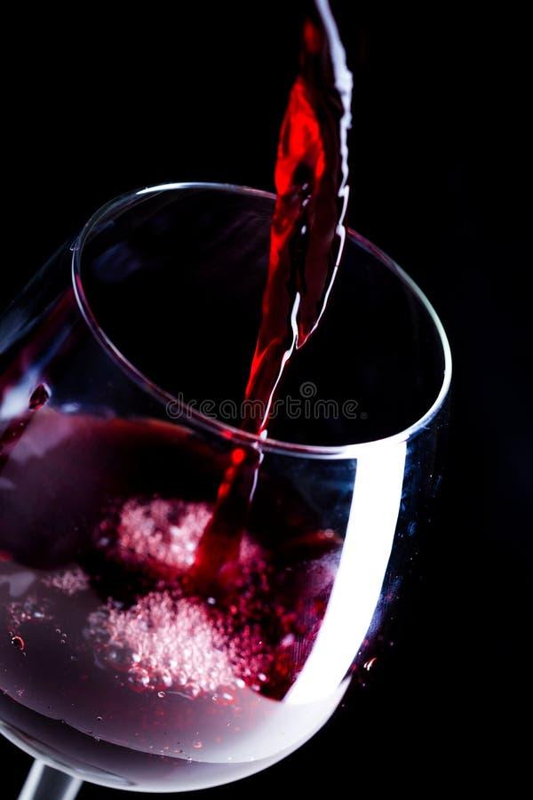 Czerwone wino w szkło zdjęcia stock