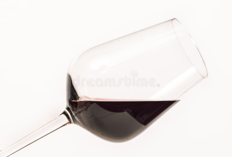 Czerwone wino w szkle dla kosztować zdjęcia stock