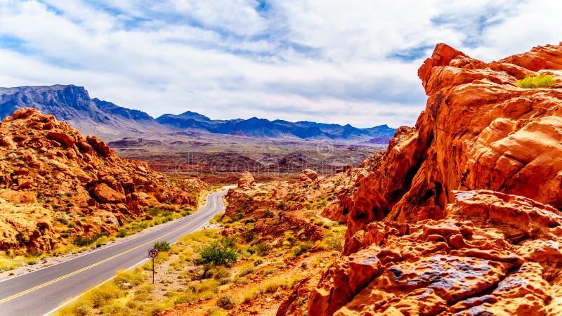 Czerwonego azteka piaskowcowe rockowe formacje w dolinie Pożarniczy stanu park, Nevada, usa obraz stock