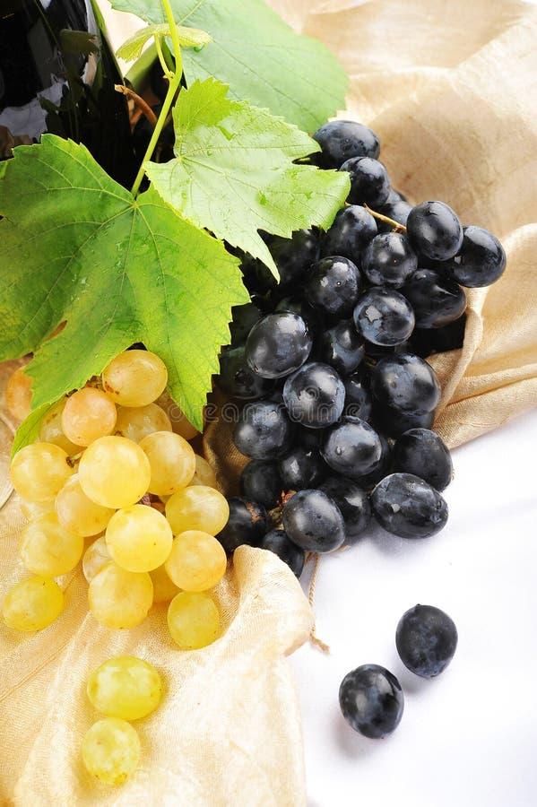 Czerwoni i Biały Winogrona obrazy stock