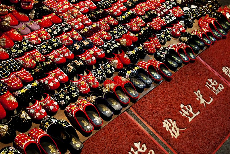 Czerwoni i Czarni sandały fotografia royalty free