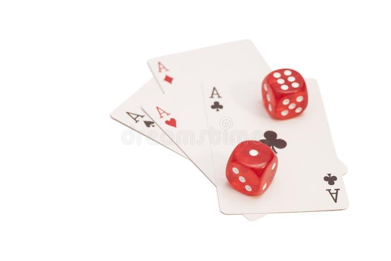 Czerwoni Kasynowi kostka do gry I Cztery as karta do gry zdjęcia royalty free