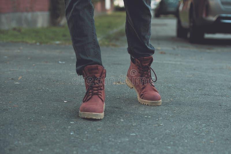 Czerwoni militarni traperów buty obrazy stock