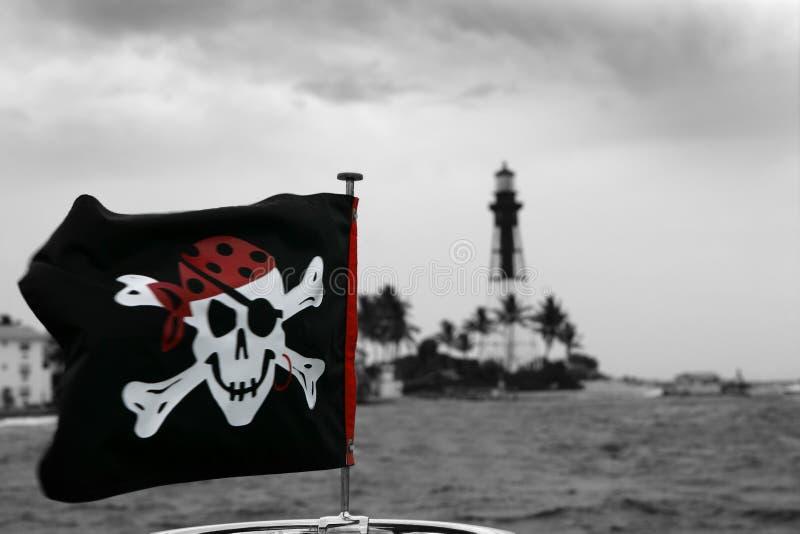 czerwoni plenerowi czarna flaga piraci zdjęcia royalty free
