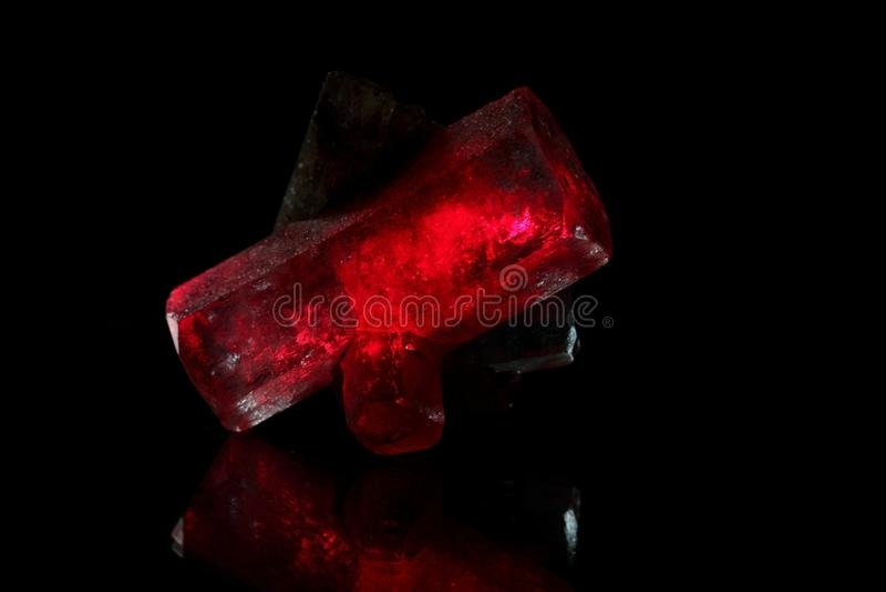 Czerwoni rozjarzeni kryształy obraz royalty free