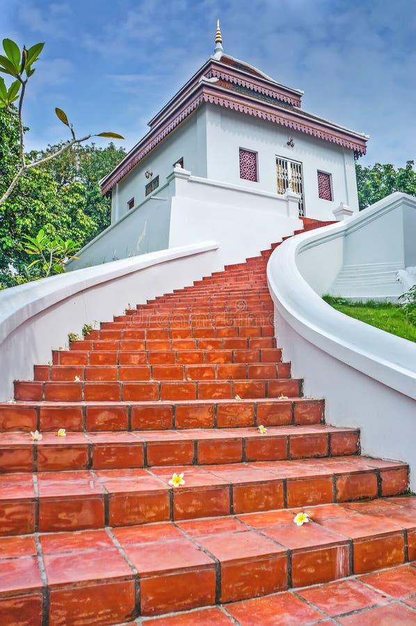 Czerwoni schodki do pagody fotografia royalty free