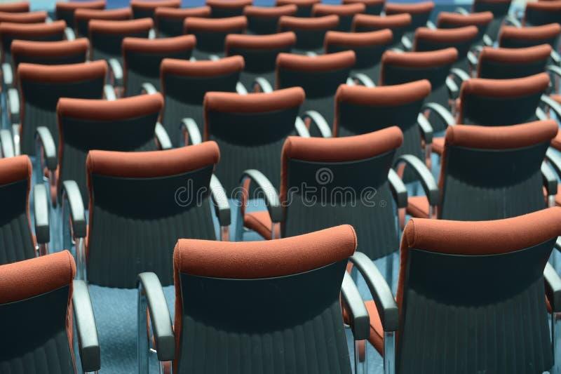 Czerwoni włosów siedzenia zdjęcia stock