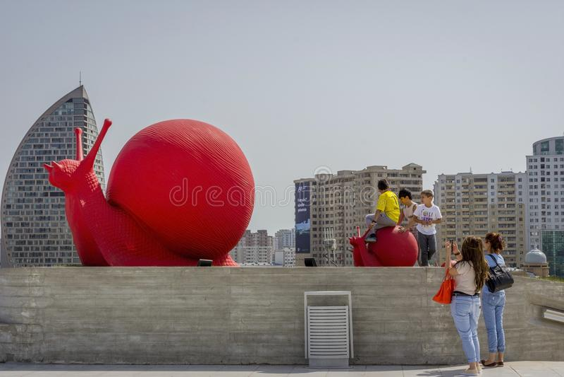 Czerwony ślimaczek, Baku, Azerbejdżan fotografia stock
