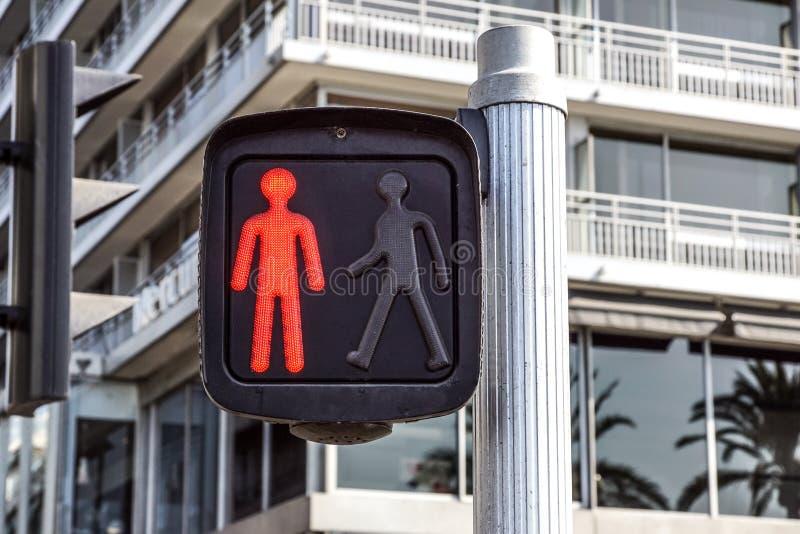Czerwony światła ruchu dla pedestrians na ulicie, fotografia stock