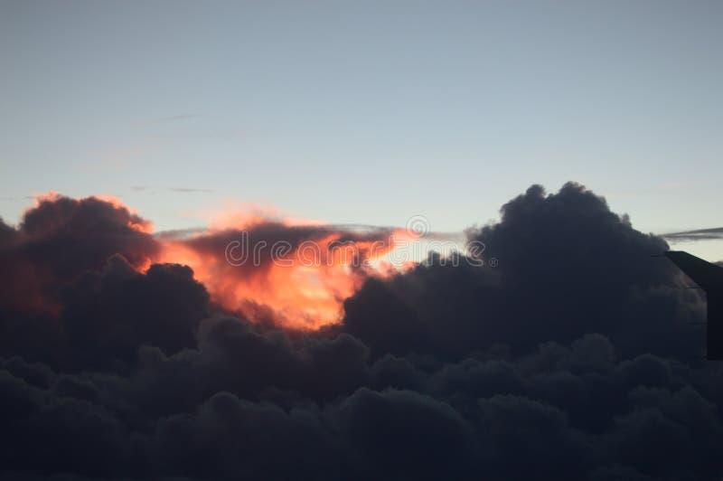 czerwony chmury obrazy stock