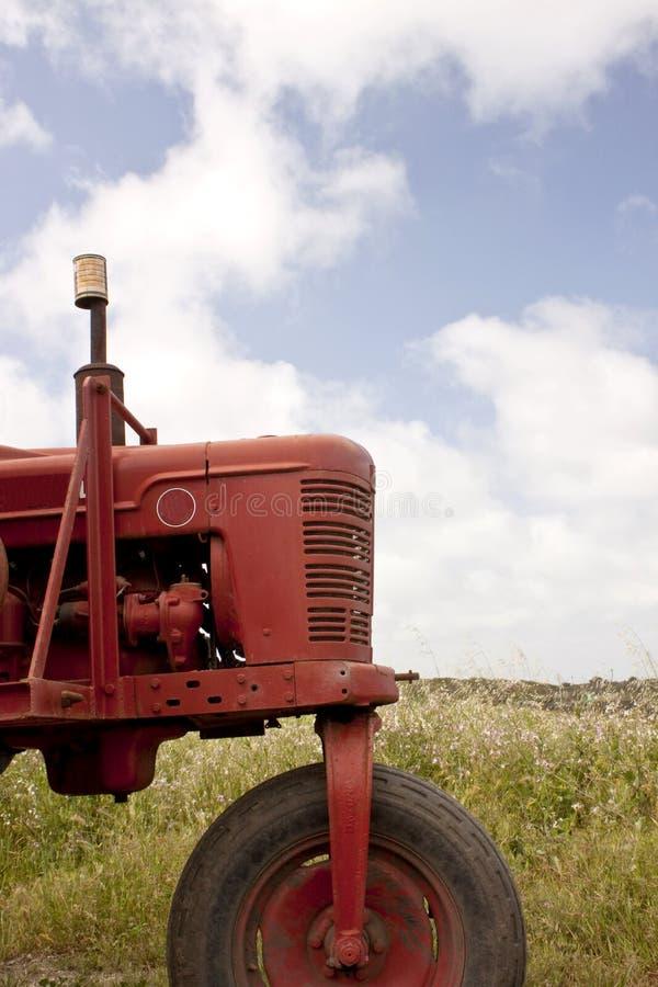 czerwony ciągnik obraz stock
