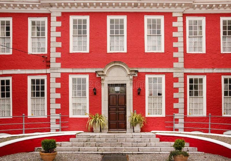 Czerwony dom Youghal Irlandia obraz stock