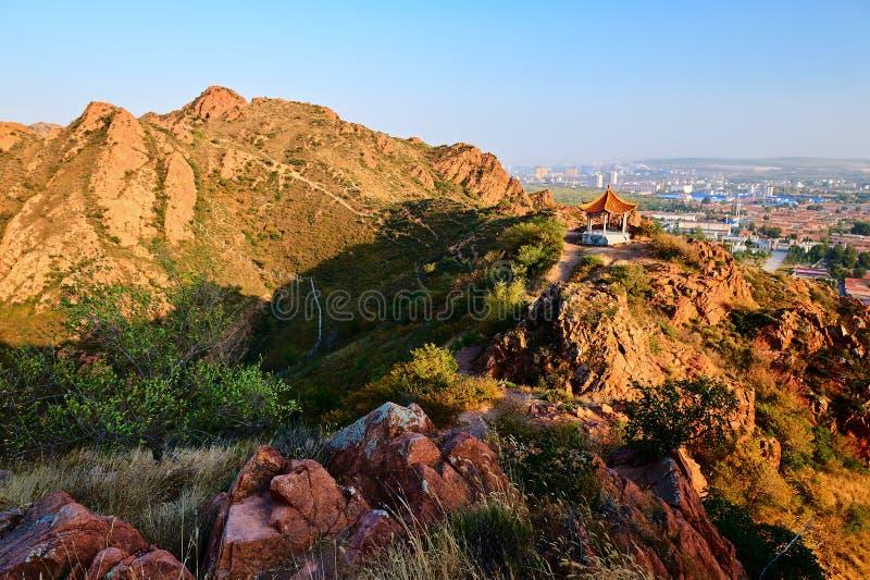 Czerwony góra zmierzch sceniczny fotografia royalty free