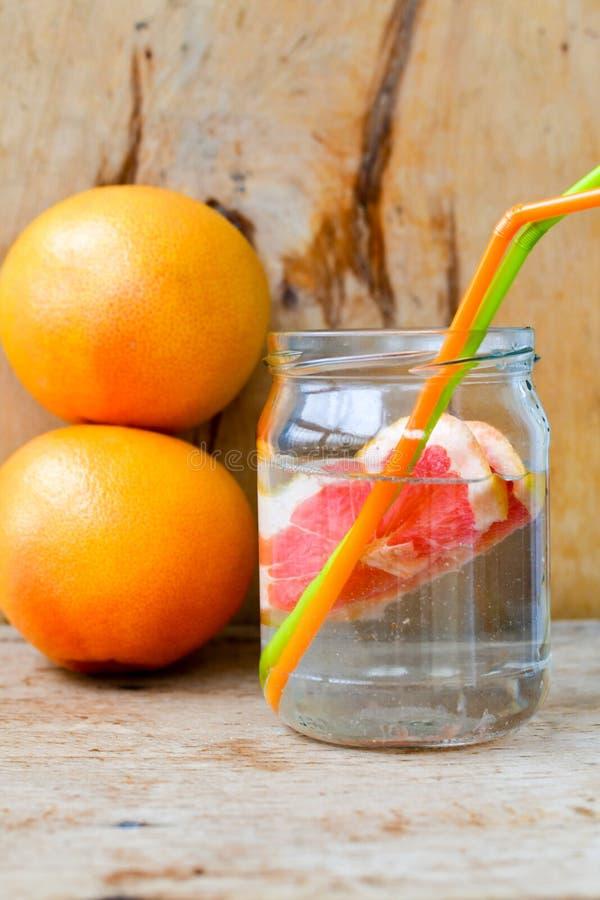 Czerwony grapefruitowy detox napój fotografia stock