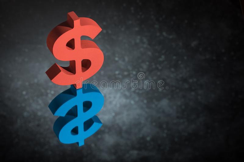 Czerwony i Błękitni USA waluty znak Z Lustrzanym odbiciem na Ciemnym Zakurzonym tle lub symbol obraz stock