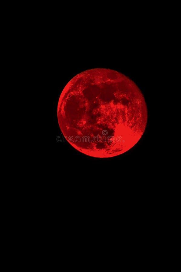 Czerwony księżyc w pełni i nocne niebo pusty, ciemny, obrazy stock